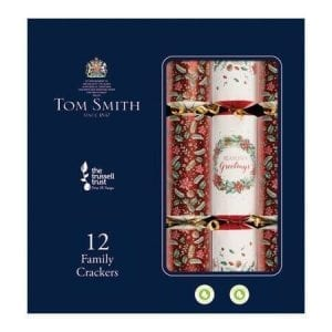 Tom Smith 12 Red & Cream Family Christmas Crackers